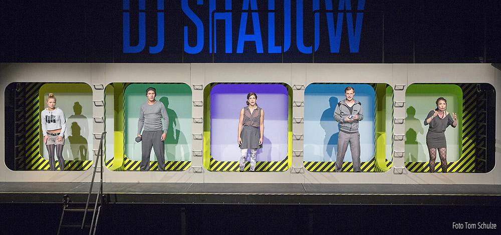 Man sieht sich – Deutsche Erstaufführung am 19. 9. 2014 im Theater der Jungen Welt, Leipzig